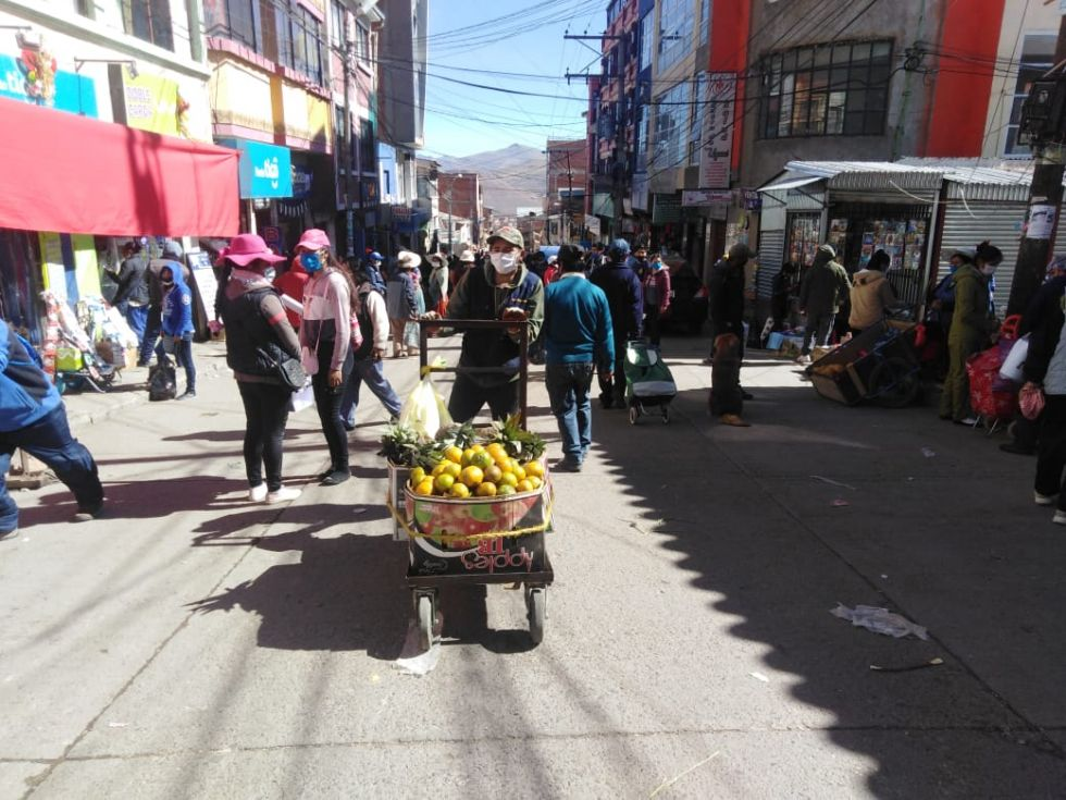 Muchedumbre en el Mercado Uyuni.