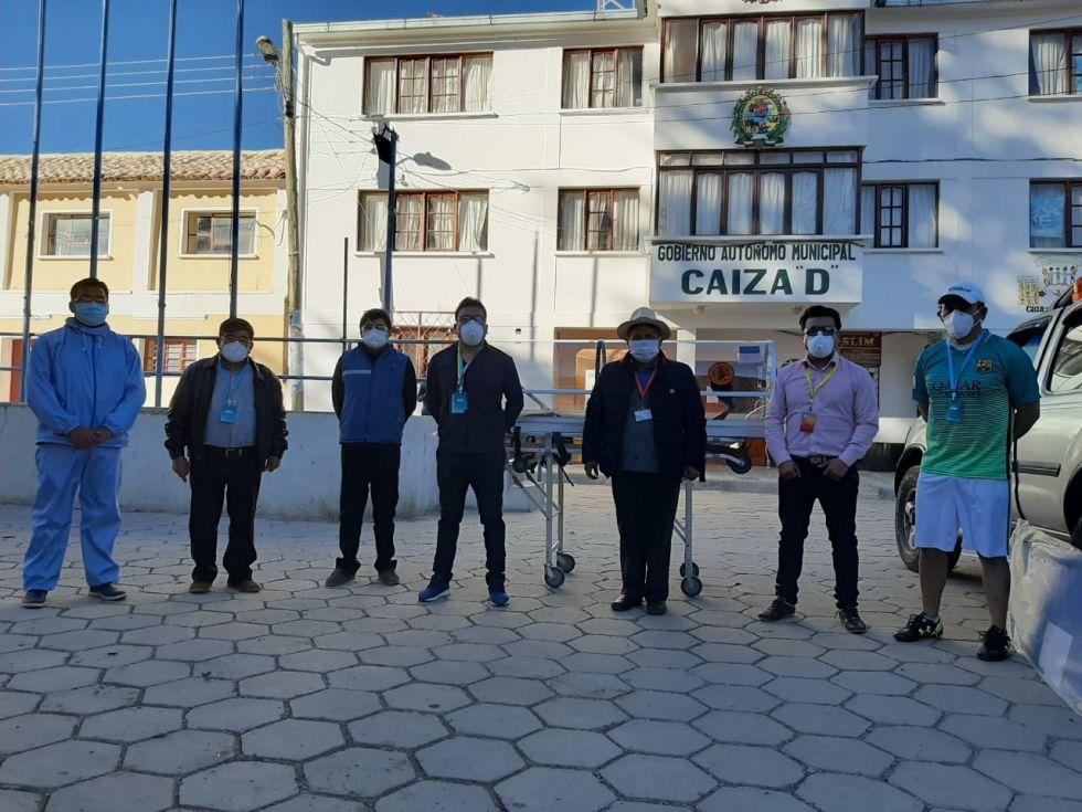La familia entregó el aporte en el municipio. FOTOS FAMILIA  ARISPE PONCE