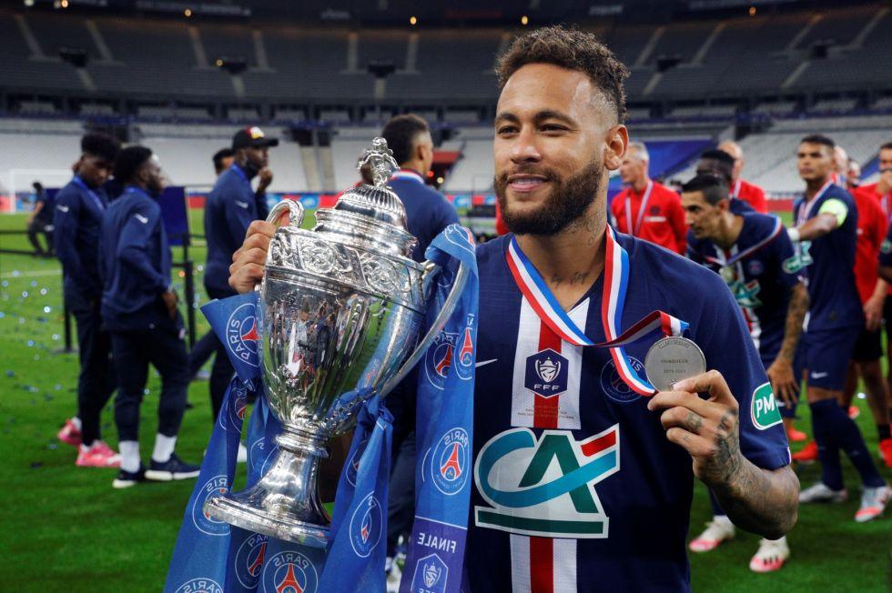 Neymar da la Copa de Francia al PSG, Mbappé se lesiona