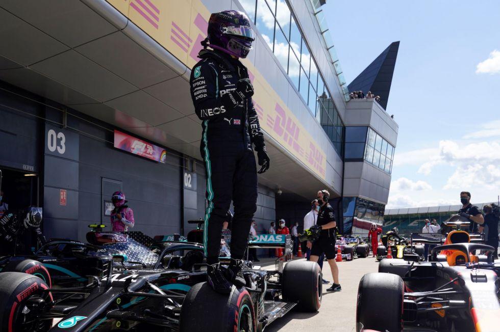 """Hamilton logra la """"pole"""" en el Gran Premio de Gran Bretaña de F1"""