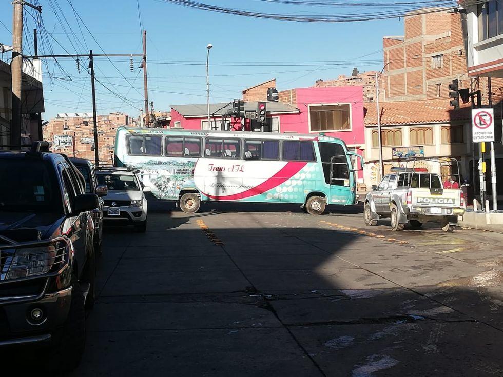 Inician los bloqueos los transportistas