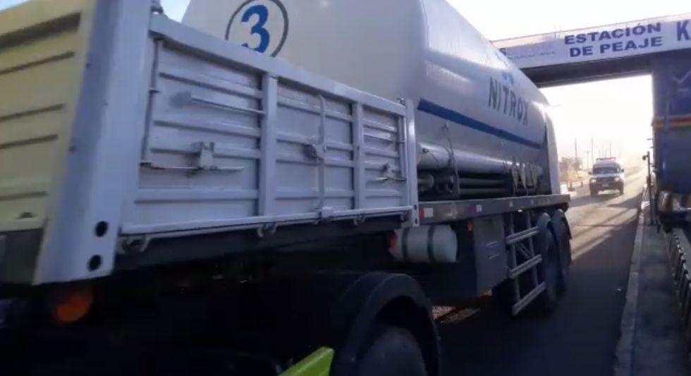 Pasando puntos de bloqueo, llegan 13 toneladas de oxígeno a Potosí