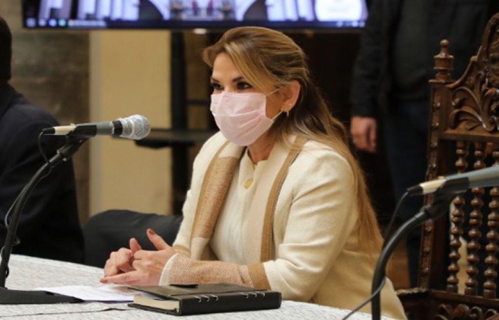 Diálogo en Palacio genera pedidos para que Añez renuncie a su candidatura