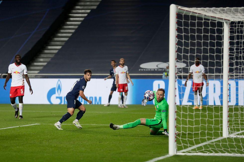 El jugador español Juan Bernat anotó el tercer gol del PSG.