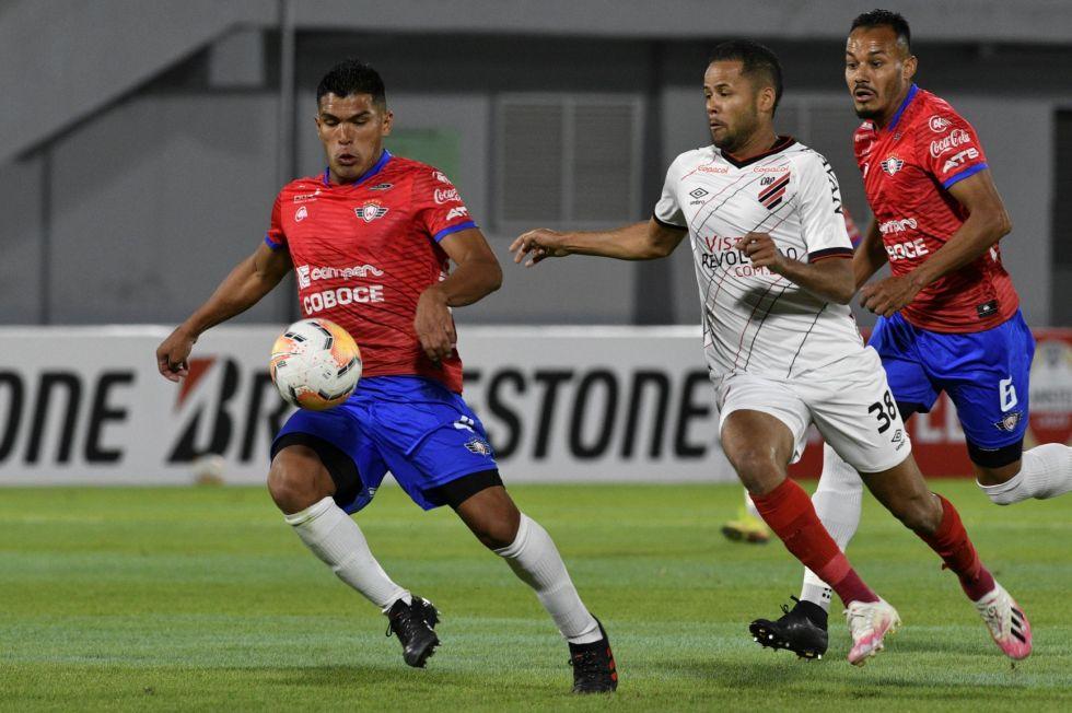 """El partido se jugó en el estadio """"Felix Capriles""""."""