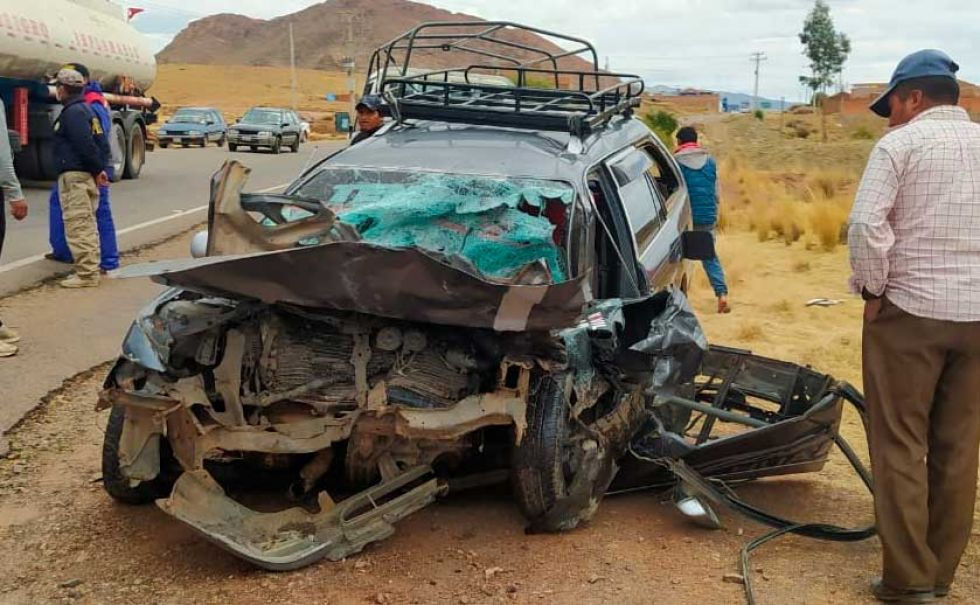Betanzos: Un menor de 10 años conducía vehículo que se estrelló de frente con un camión