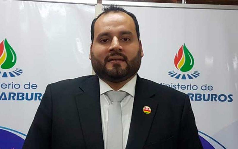 Fiscalía imputa a expresidente de YPFB y pide su detención preventiva