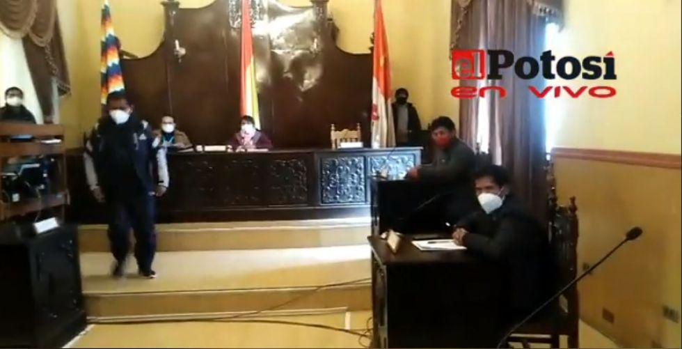 El Concejo Municipal aprobó la canasta solidaria estudiantil para Potosí