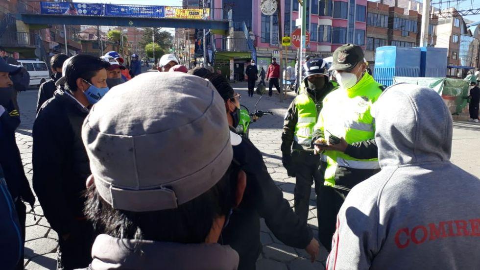 Convocan a dialogar para solucionar bloqueo de calles