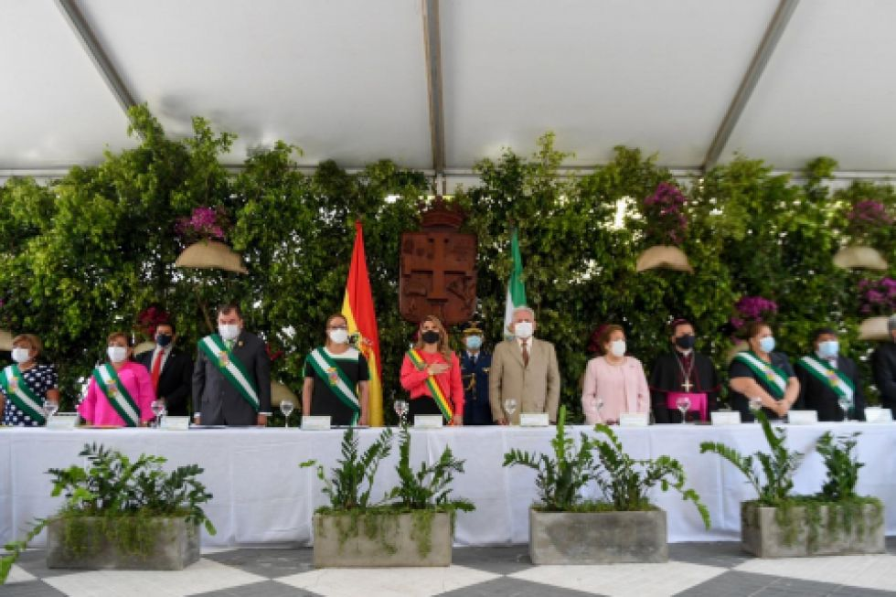 Santa Cruz celebra 210 años de su gesta libertaria con discursos sobre democracia y desarrollo