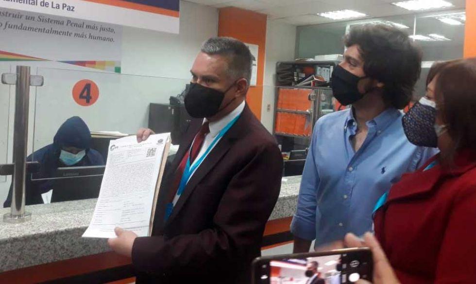 Formalizan denuncia contra Evo Morales y otros por presunto delito de trata y tráfico