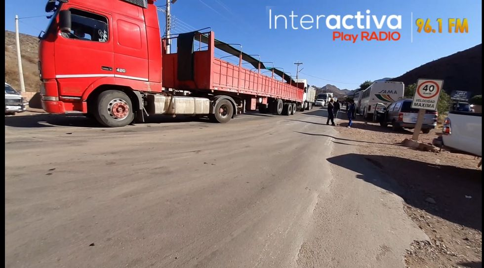Los motorizados estaban bloqueados. FOTO INTERACTIVA PLAY RADIO
