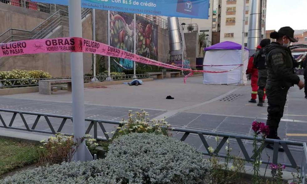 La Paz: A plena luz del día, hombre le dispara a una mujer y luego se quita la vida