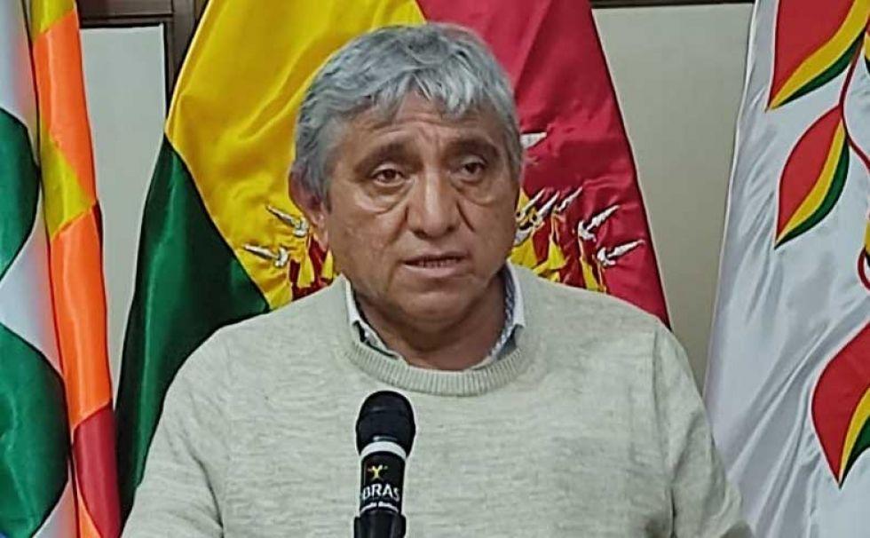 """¿Por qué el Ministro Iván Arias afirma que movilizados """" se están dejando llevar por memes""""?"""