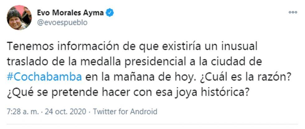 """Evo Morales denuncia que la medalla presidencial fue trasladada de forma """"inusual"""" a Cochabamba"""
