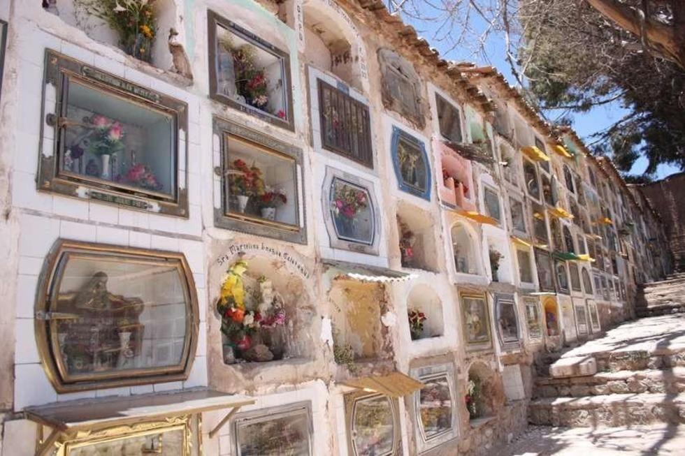 La Alcaldía habilita horarios tope de visita al Cementerio General