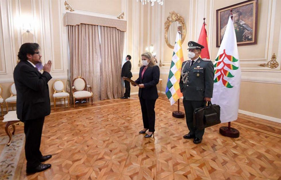 Alberto Morales nuevamente es cesado como Procurador del Estado
