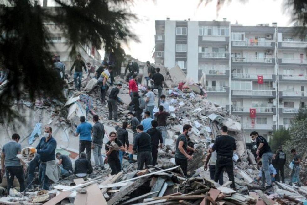 Un terremoto causa casi 20 muertos en Grecia y Turquía