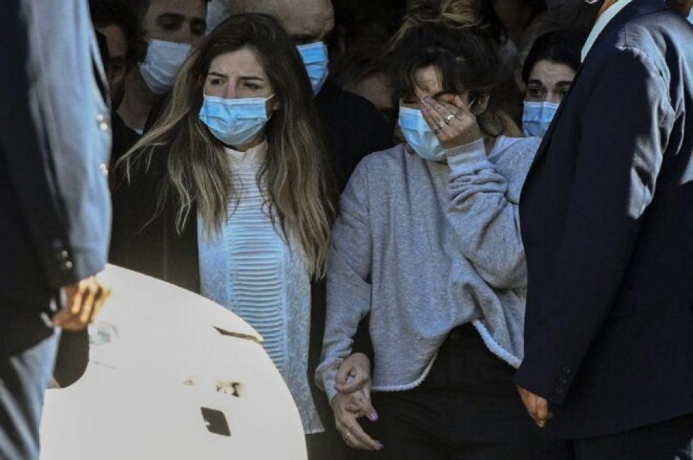 Turbulencias afectivas de Maradona presagian problemas de herencia