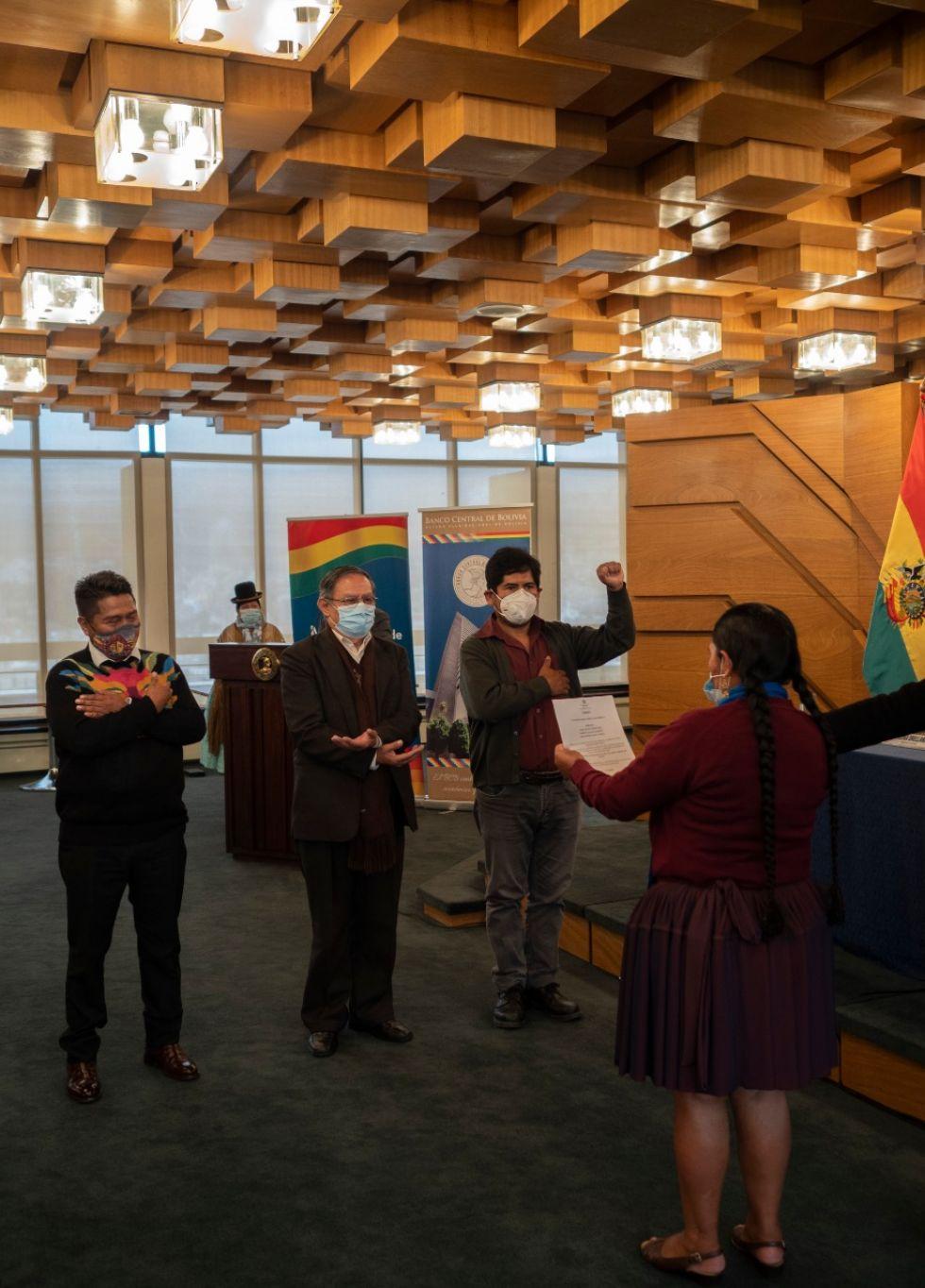 Fueron posesionados en  un acto protocolar que se desarrolló por la mañana del jueves 31 de diciembre FOTO: FCBCB