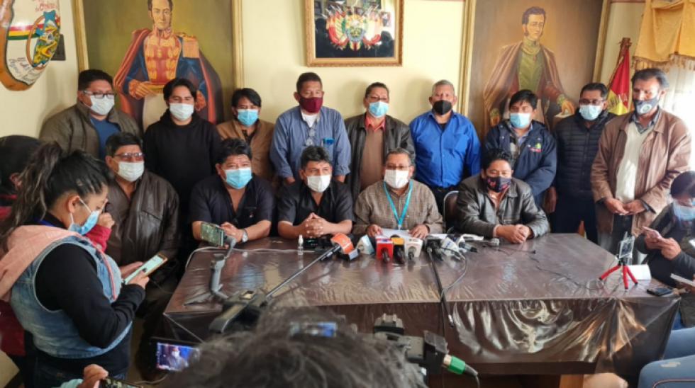 Choferes anuncian paro de 48 horas con bloqueo de caminos para el martes y miércoles