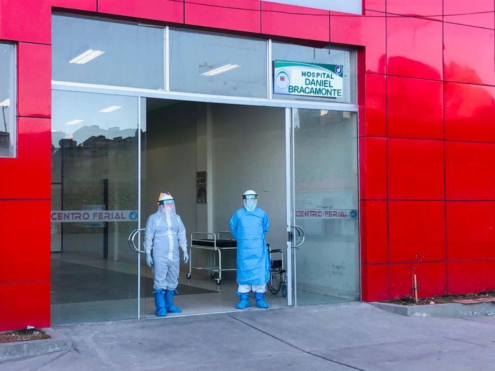 Casos de coronavirus en cuidados intensivos se duplican en el Centro Covid de la avenida Sevilla