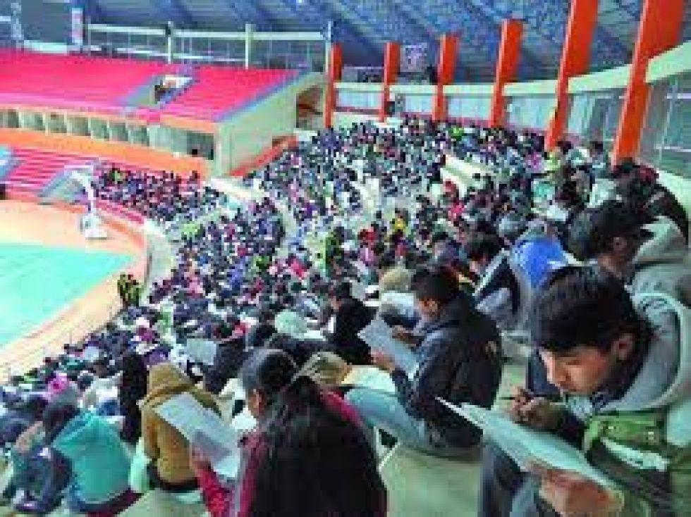 Cerca de 4.000 postulantes a las escuelas de maestros dan examen escrito hoy