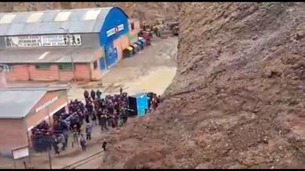 Denuncian que toma de la minera Illapa fue violenta