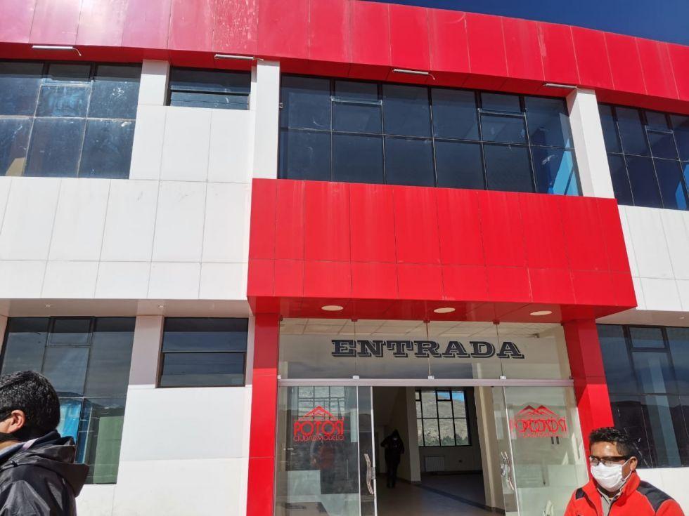 Concejo denuncia mala atención en el Centro Covid Municipal, encargado de salud desmiente