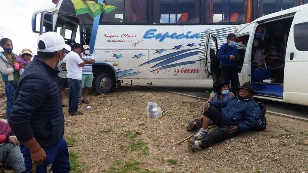 Choque cerca de Chaquí Baños deja una decena de heridos