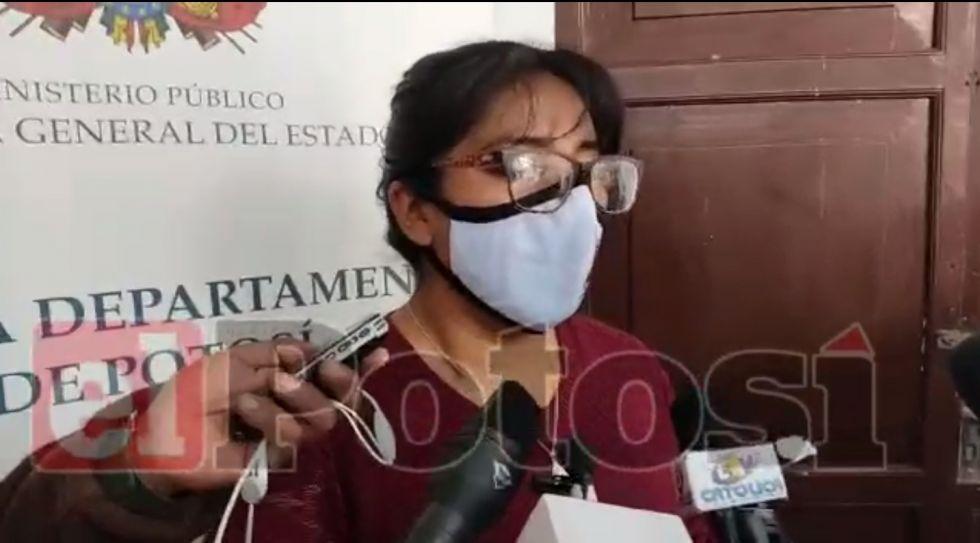 Fiscalía investiga homicidio: la sobrina habría empujado a su tía de un segundo piso