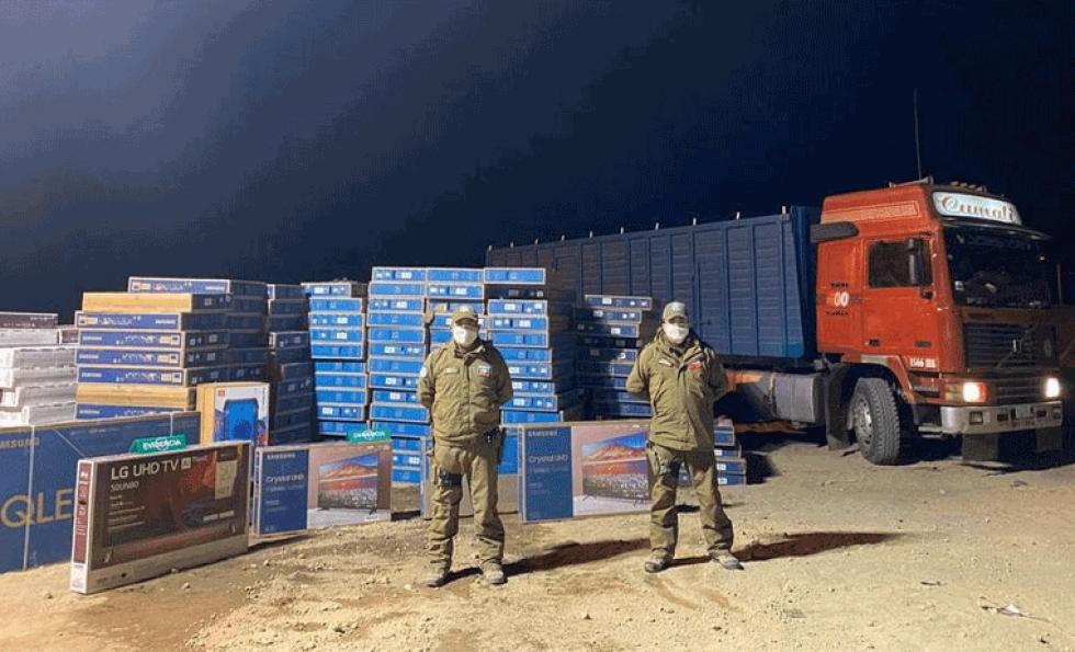 Detienen en Chile dos bolivianos sindicados de contrabando e intento de soborno