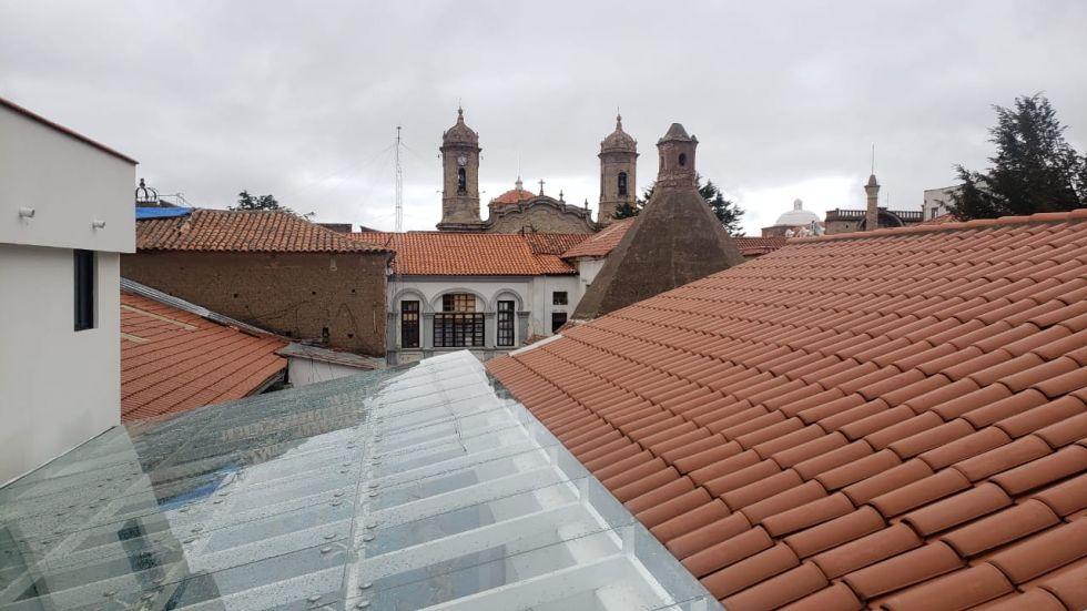 Cejas en el edificio que fue restaurado gracias a sus gestiones.