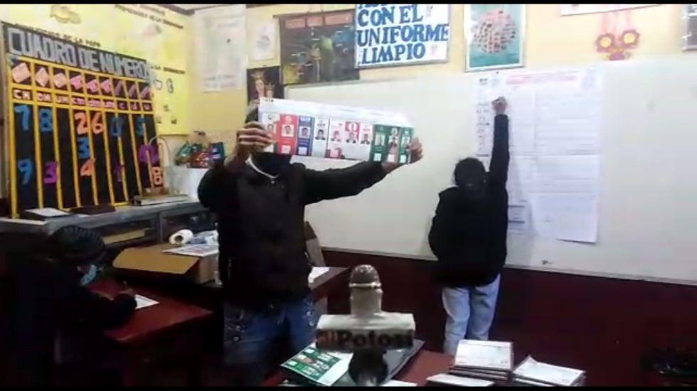 Cierran las mesas e inicia el cómputo de votos en Potosí