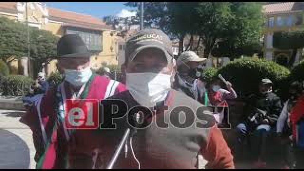 Productores del Mercado Catedral invitan a la ciudadanía a comprar productos con yapa