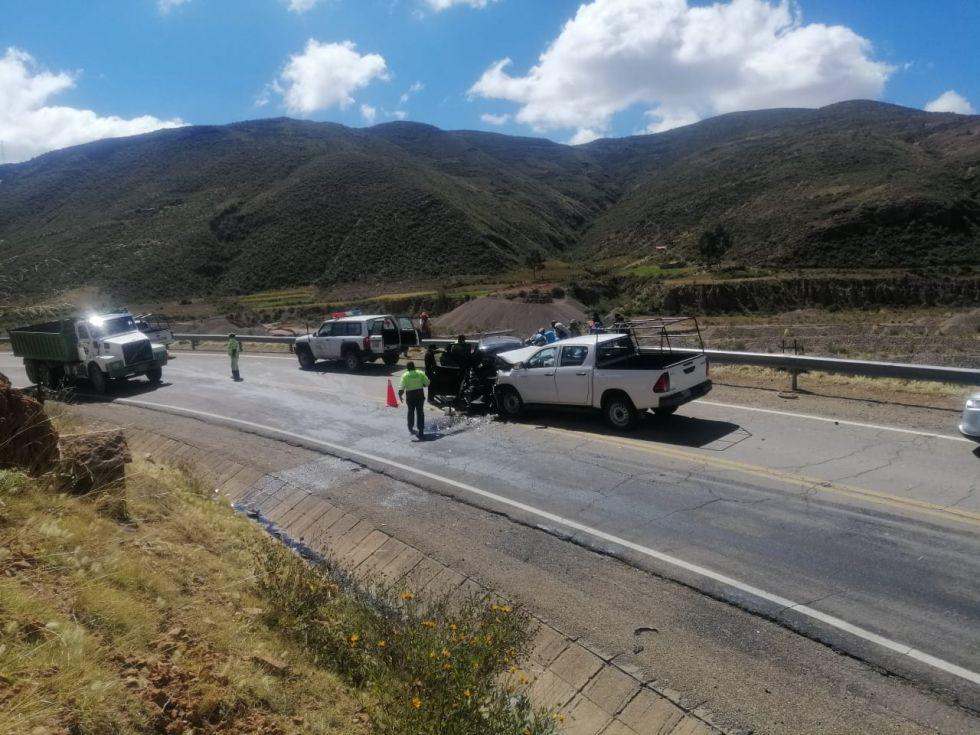 Reportan que fallecen tres personas en accidente de tránsito en la ruta Potosí Sucre