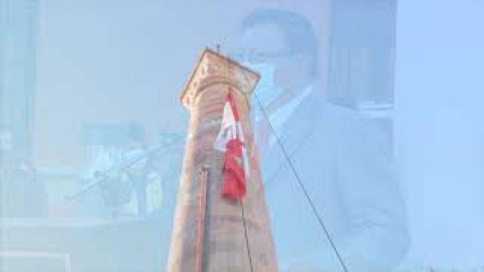 Alcalde Llally restituye el saludo a la bandera los lunes