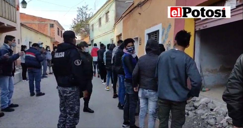 Intendencia Municipal interviene fiesta juvenil, había más de un centenar de participantes