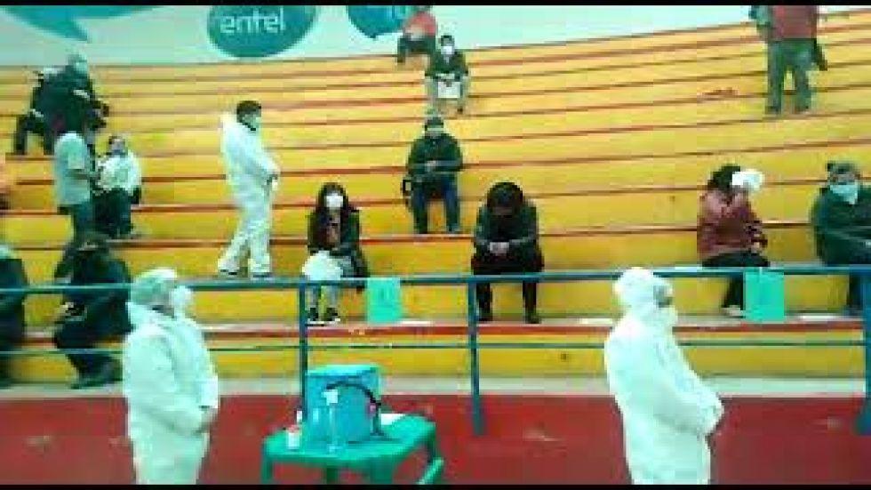 La población a partir de 40 años se vacuna en Potosí