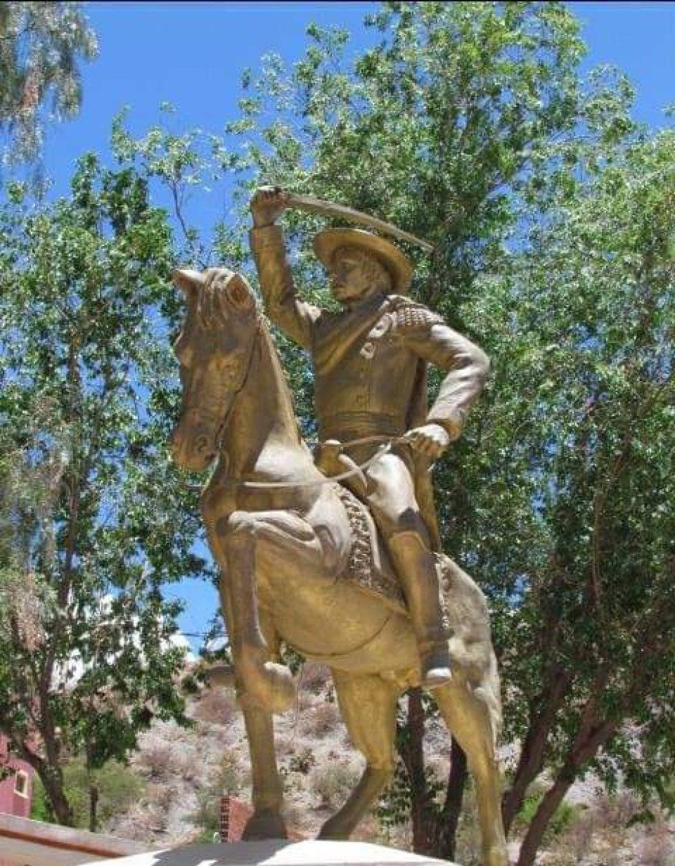 Monumento a Pedro Arraya.