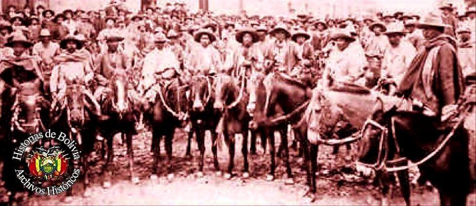 Foto antigua de la caballería chicheña