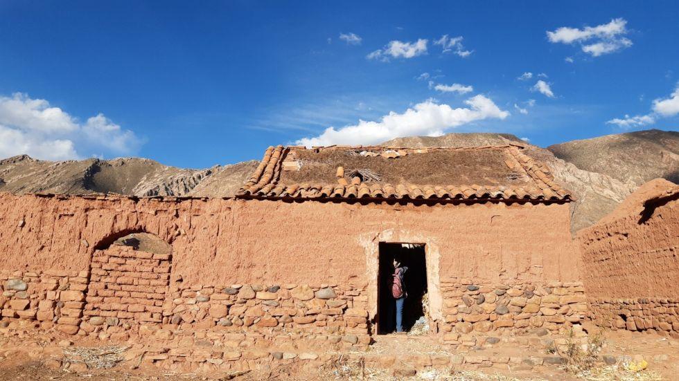 Para el periodo colonial, el detalle más importante es la existencia de los restos de un acueducto industrial del siglo XVI