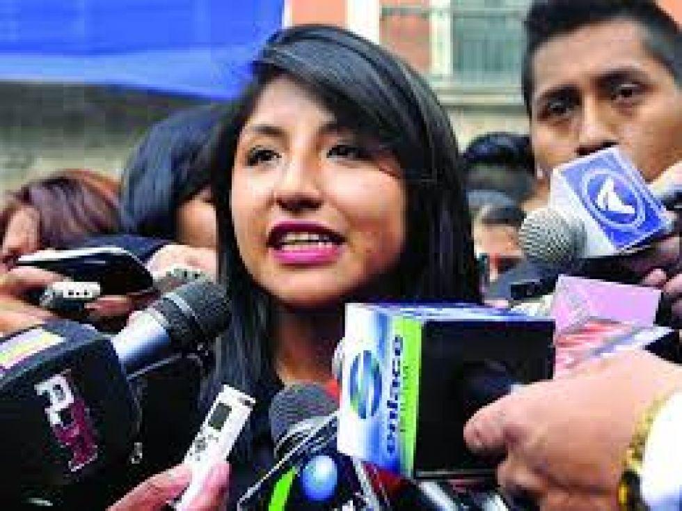 Corroboran que la hija de Evo Morales recibió vacuna, gobierno anuncia fiscalización