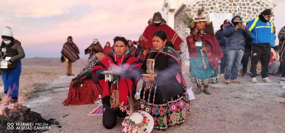 La ceremonia de este lunes estuvo a cargo de la Asociación Boliviana de Medicina Tradicional que aglutina a los cultores ancestrales de Cahuayo.