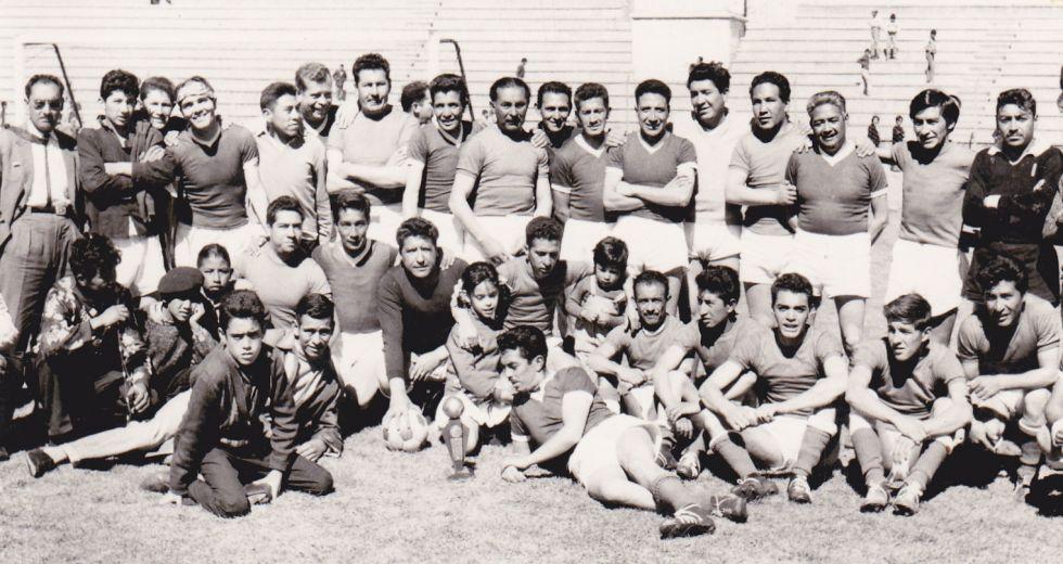 Partido de fútbol entre personal de Electra e Indoamérica.