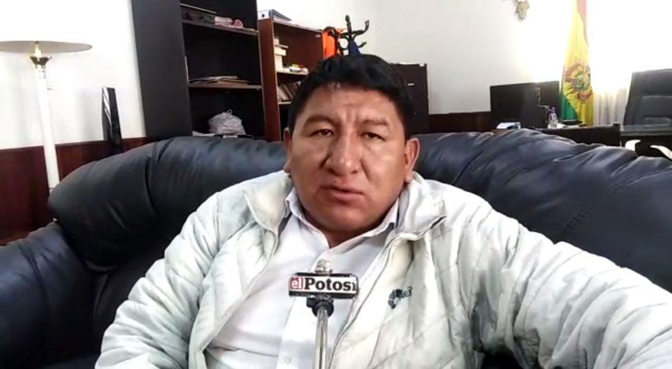 Gobernador denuncia que orureños quieren los beneficios del litio del Salar de Uyuni