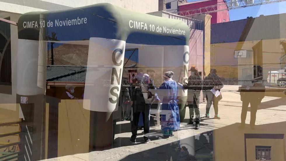 La CNS vacunó o a clientes y trabajadores de Sepsa