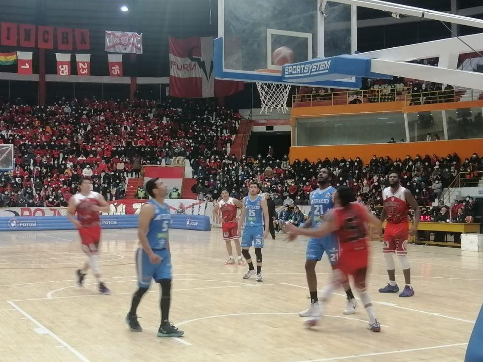 El partido se jugó en el coliseo Ciudad de Potosí