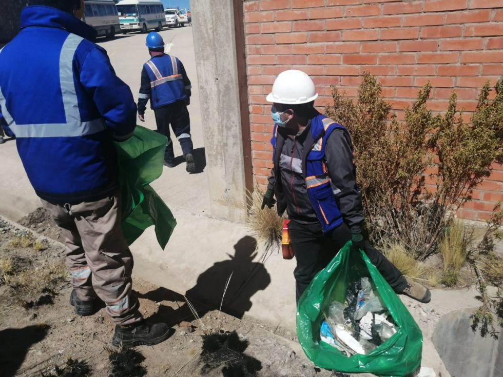 Se espera que más voluntarios puedan apoyar con similares tareas.