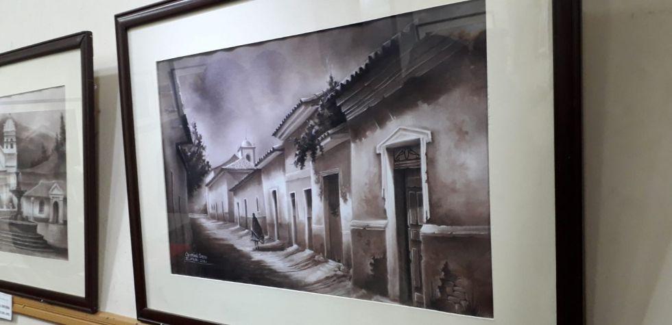 Los tres artistas tienen obras en diferentes estilos y técnicas.